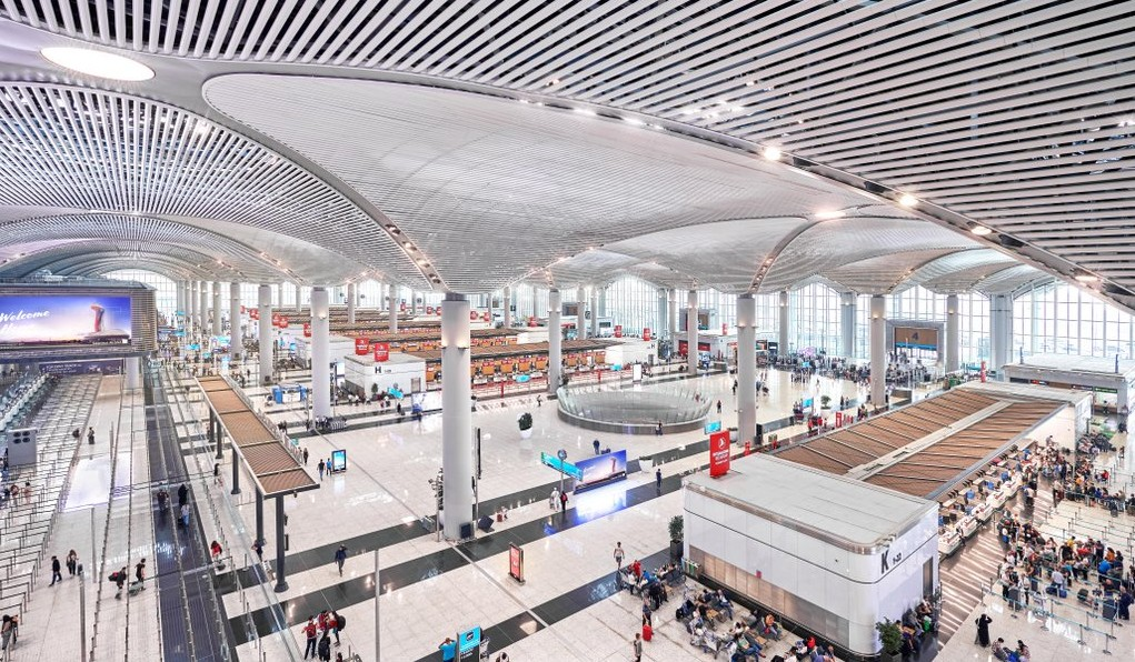 Istanbul Airport opens third runway
